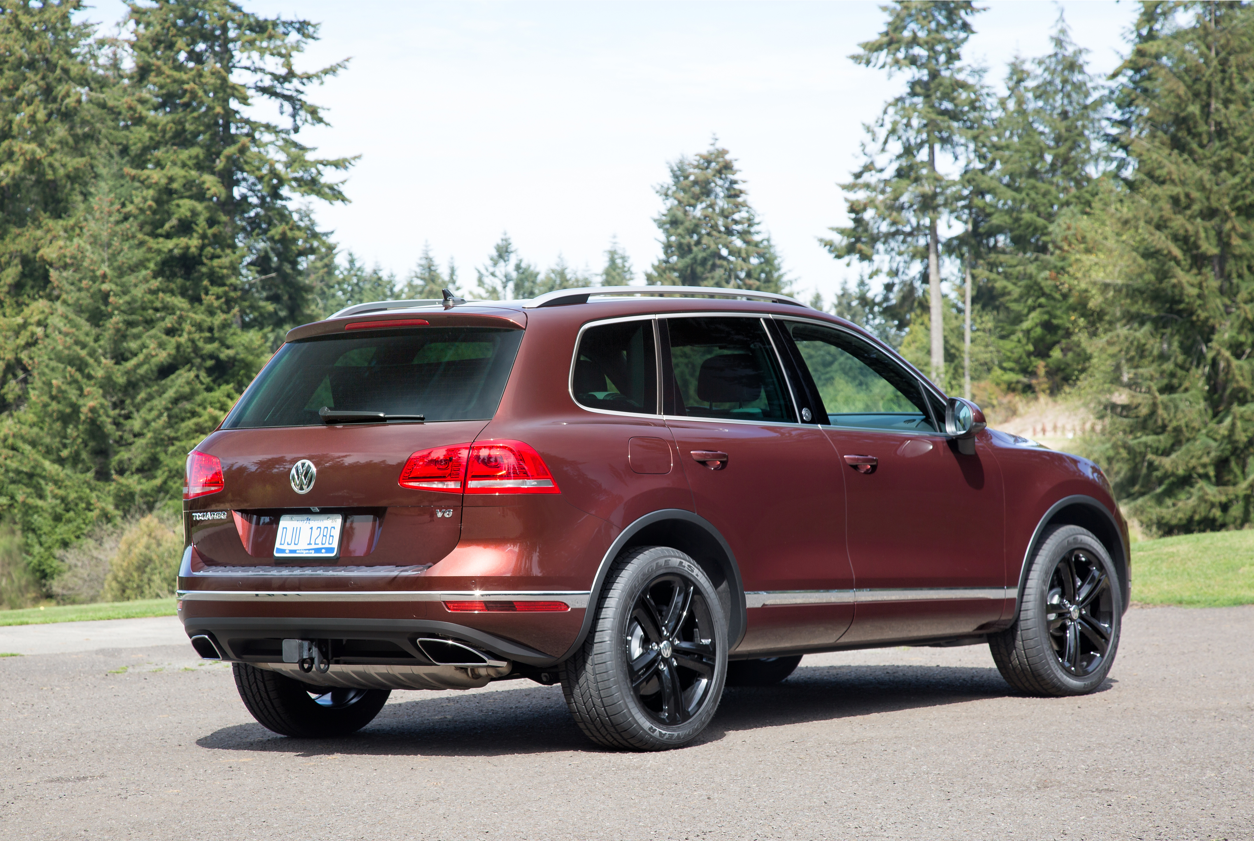 black-alloy-rims-Touareg