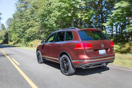 CRUISING IN THE VOLKSWAGEN TOUAREG THROUGH THE COUNTRYSIDE.