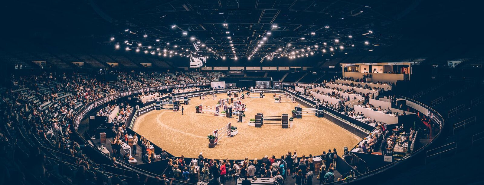 arena-longines LONG BEACH HOSTS THE LONGINES MASTERS