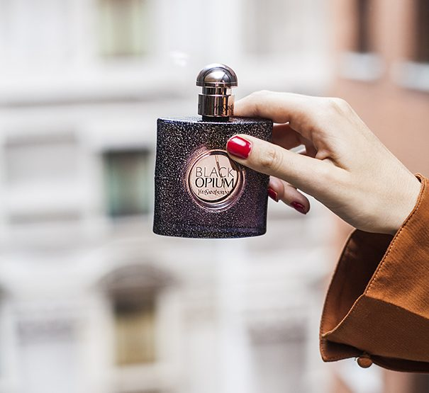 FINDING A NEW SIGNATURE SCENT: 5 OF THE BEST LUXURY DESIGNER PERFUMES.
