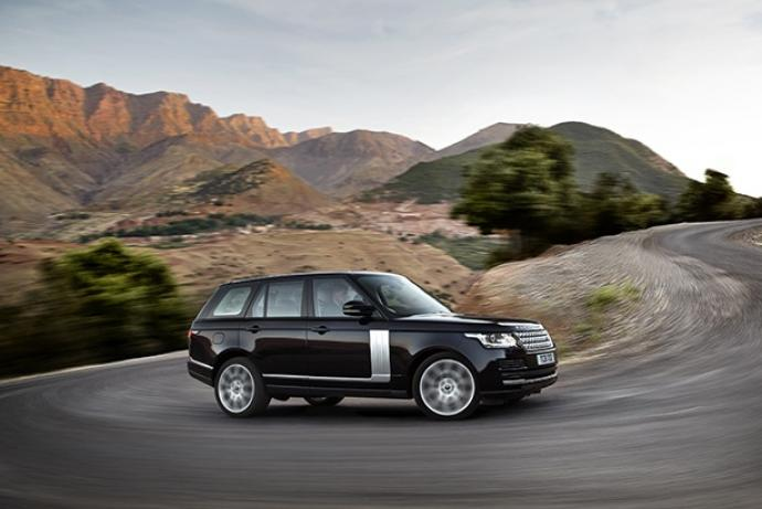 THE NEW RANGE ROVER SPORT AUTOBIOGRAPHY.