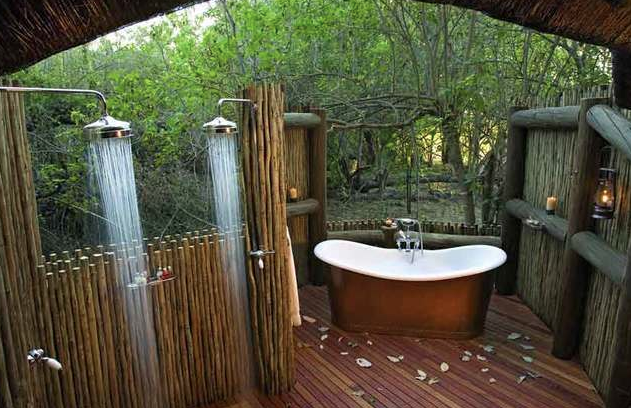 24 TOILETS TO VISIT BEFORE YOU DIE.