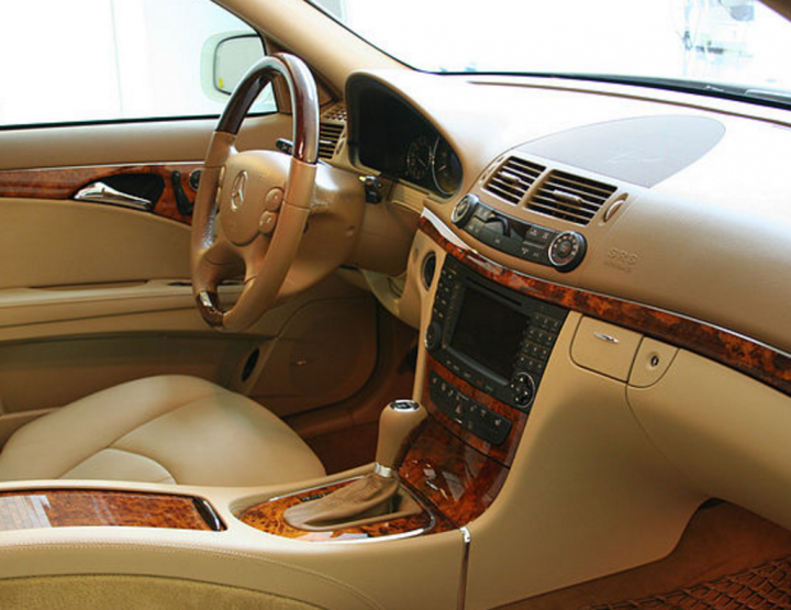 BUYING A LUXURY CAR? MAKE SURE IT HAS THESE FEATURES.