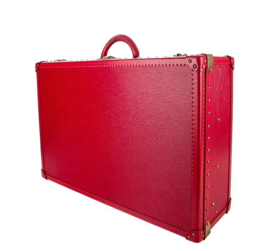 Louis Vuitton Epi Alzer 70 was made by the firm that has been favorite for luxury trunks for over 150 years.