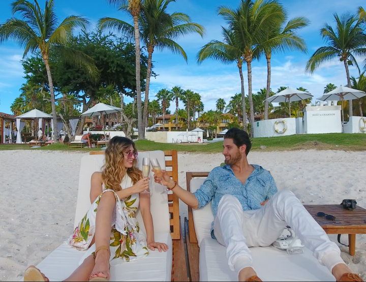GOLDEN SUNSETS, FRESH OYSTERS AND ALCOHOL INFUSED HOOKAHS AT THE ST REGIS PUNTA MITA.