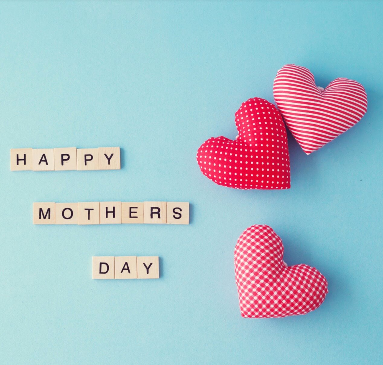 Photo albums, a record of all the amazing things that have happened that previous year can also be a perfect gift for Mother's day-celebrate mothers day