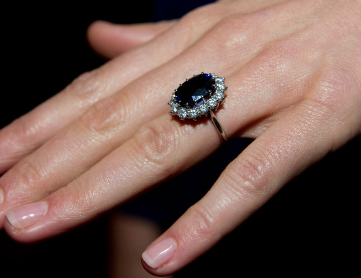 10 EXPENSIVE ENGAGEMENT RINGS.