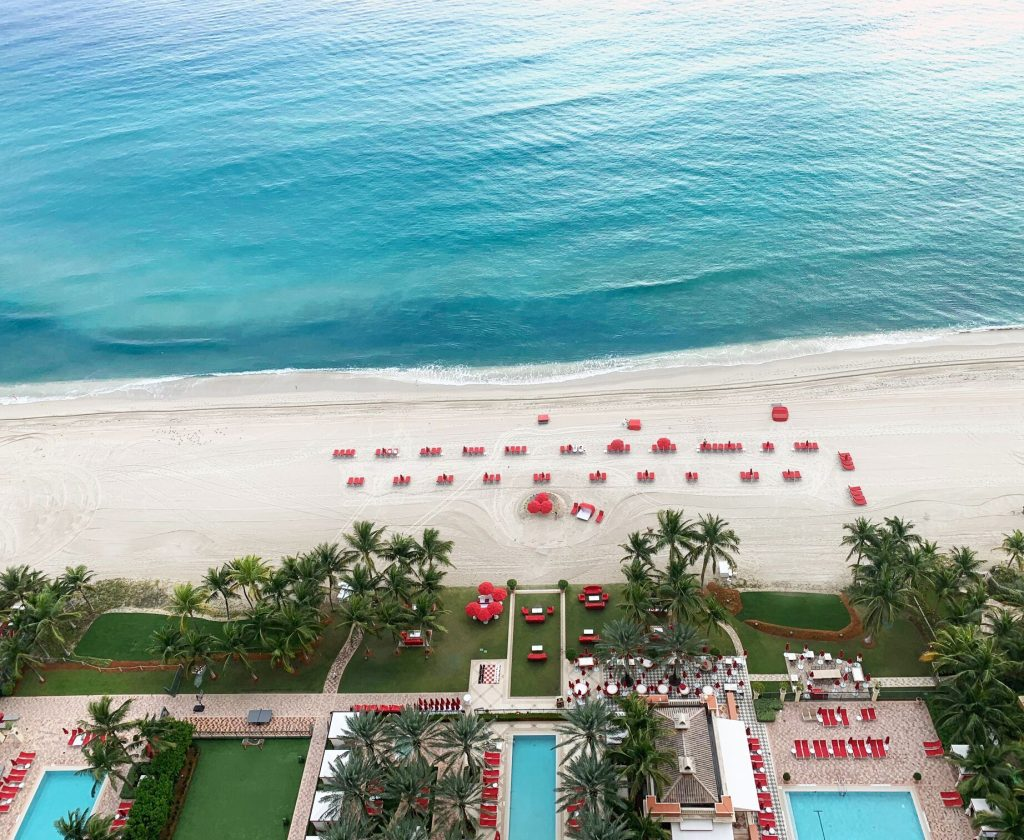 beach Acqualina